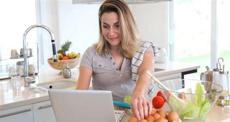 Wenn Mütter Von Zu Hause Aus Arbeiten  Elternkind Alltag