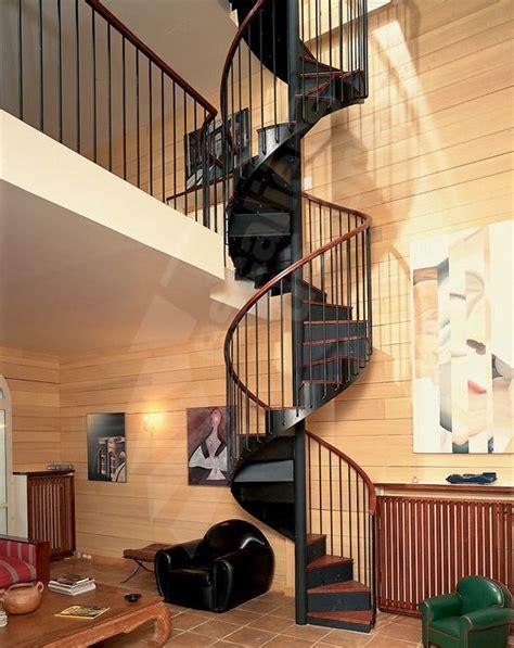 dh1 spir d 201 co 174 bistrot avec contremarches escalier int 233 rieur d acc 232 s mezzanine sur 2 niveaux