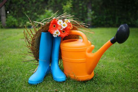 attrezzi da giardiniere attrezzi da giardinaggio per bambini ecco come sceglierli