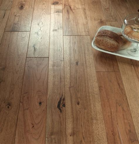 "Hickory Engineered Prefinished Stained ""Ranchero"" Random"
