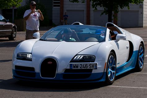 Bugatti Veyron Pictures And Wallpapers