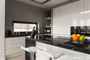small black and white kitchen ideas kolor czarny w kuchni jak stosować czerń by nie przytłoczyć wnętrza dom pl