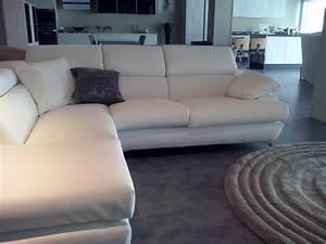 Divano exc divano in pelle ad angolo divani a prezzi for Divani ad angolo in pelle