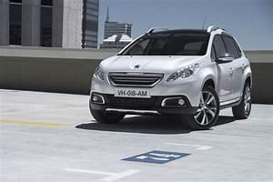 Peugeot 2008 2 : peugeot 2008 1 2 2013 auto images and specification ~ Medecine-chirurgie-esthetiques.com Avis de Voitures