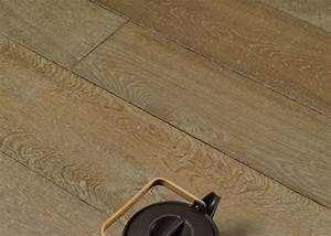 lot 80 parquet massif chene vieilli tons bruns clairs With parquet chene massif 20mm