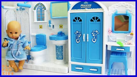 Baby Doll Bathroom 🛀 Play Doll Morning Routine, Baby Doll
