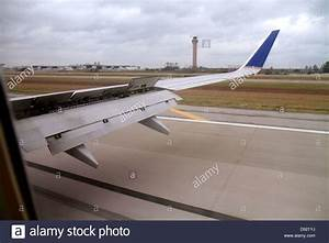 Airplane Wing Flap Stock Photos & Airplane Wing Flap Stock ...