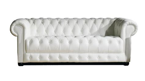 canap chesterfield cuir blanc canapé chesterfield design 3 places vivaldi mobilier moss