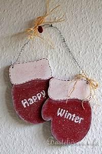 Basteln Mit Holz Weihnachten : basteln im winter winterdekoration holz faeustlinge ~ Whattoseeinmadrid.com Haus und Dekorationen