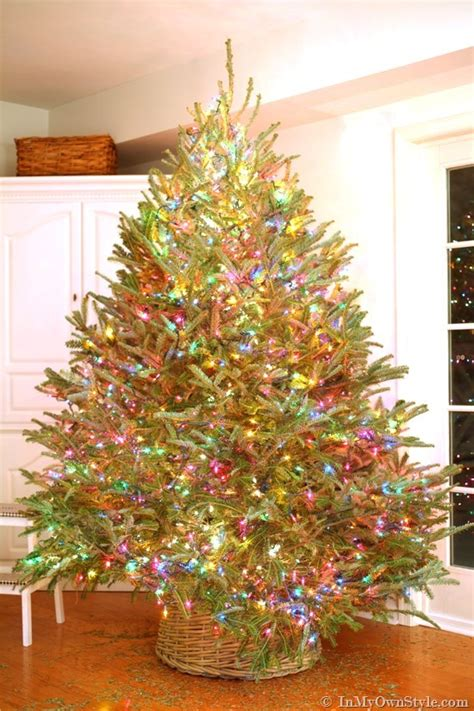 correct way to string lights on christmas tree my style christmas tree lighting tips in my own style