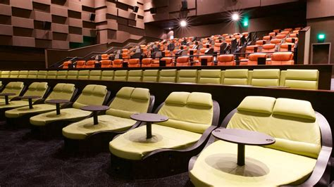 Luxury Dine-in Theater Debuts In Seaport With Food From