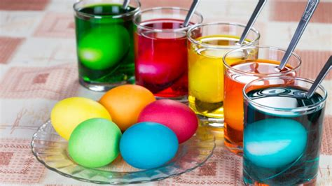 theories    dye eggs  easter mental floss