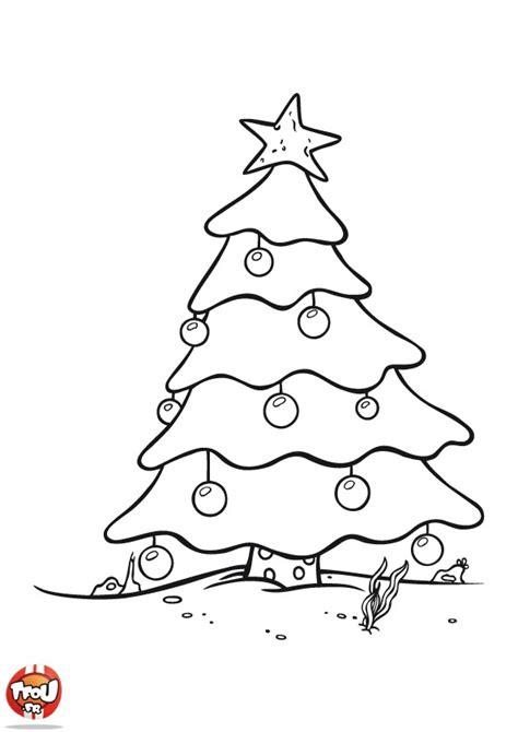 dessin 195 colorier sapin de noel et cadeaux