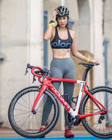 Pin By Ralphemmo On Babes On Bikes Pinterest Cycling