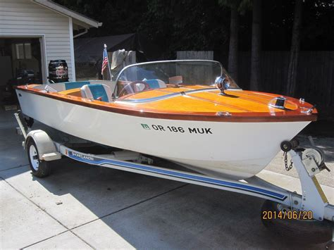 Runabout Boat Wood by 1960 Carver Runabout Classic Power Boats And Yachts