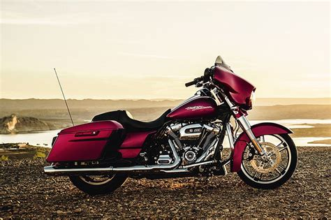 Harley-davidson Launches Milwaukee-eight Big Twin For 2017