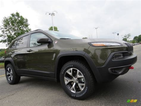 green jeep cherokee 2014 eco green pearl 2014 jeep cherokee trailhawk 4x4 exterior