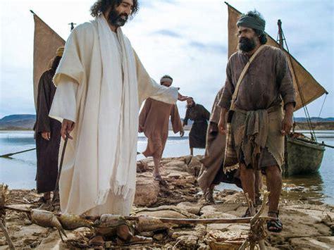 freebibleimages jesus appears  disciples  galilee  risen lord jesus appears