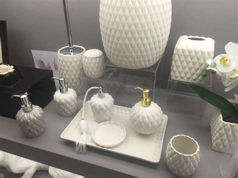 bathroom accessories    tweak  decor