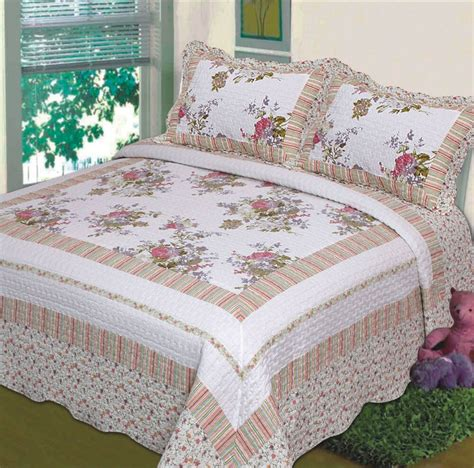 Floral Bedspreads by 3 Pc Bedspread Quilt White Floral Print