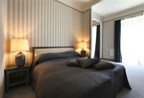 modele tapisserie chambre papier peint chambre bien choisir le papier peint pour