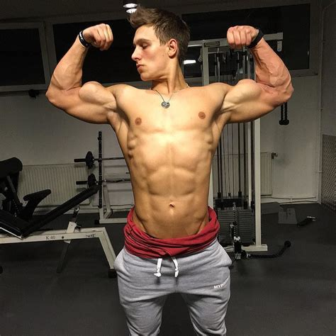 Pin On Young Muscle