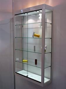 Vitrine Murale Verre : vitrine center vitrines et comptoirs en verre et aluminium ~ Teatrodelosmanantiales.com Idées de Décoration