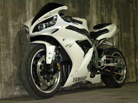 Yamaha R1 Modified