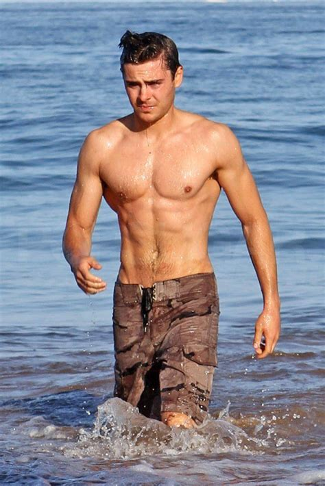 male celebrity beach bodies page    fame