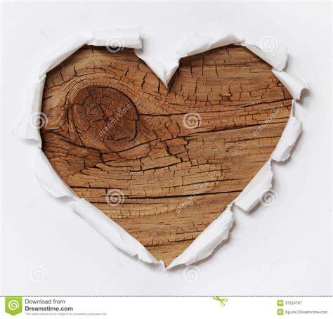 le frontale vieux ceur coeur en bois trou de papier d 233 chir 233 dans la forme de coeur avec du vieux bois photographie