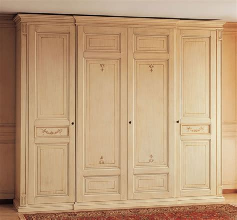 Closet Furniture Cabinet by Wardrobe Cabinet Design Cabinet In Wood Classic