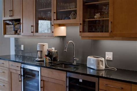 trendy minimalist solid glass kitchen backsplashes digsdigs