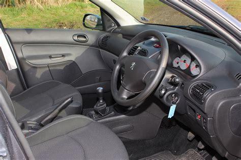 peugeot interior peugeot 206 hatchback review 1998 2009 parkers