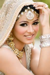 wedding make up 5 blunders your makeup artist can make at your wedding