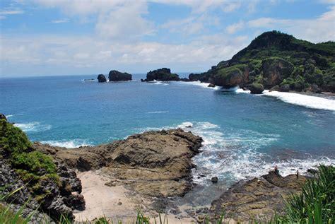 simbiosis mutualisme pariwisata pantai siung gunung kidul