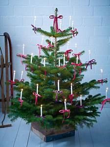 Schleifen Für Weihnachtsbaum : weihnachtsbaum schm cken 4 gl nzende ideen ~ Whattoseeinmadrid.com Haus und Dekorationen