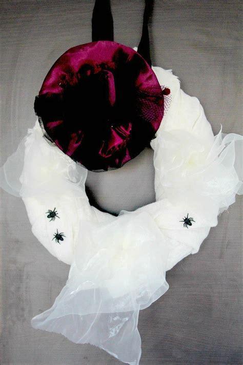 diy halloween wreath favecraftscom