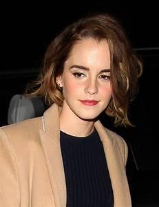 Emma Watson debuts new bob