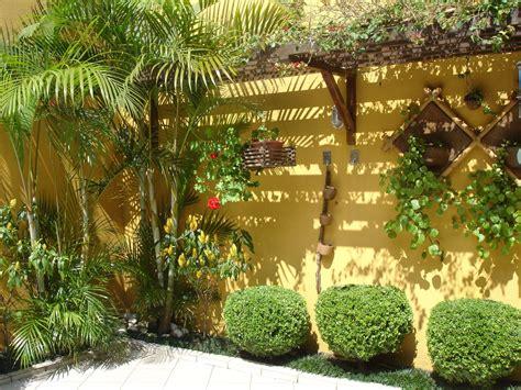 modelos de jardins residenciais  frente de casa