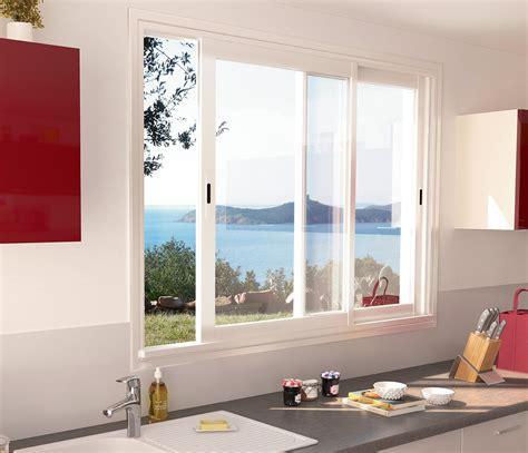 cuisine blanc noir fenetre coulissante sur mesure fenêtres aluminium