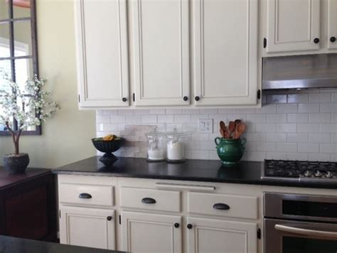 white kitchens with subway tile beige kitchen cabinets with white subway tile design do 1847
