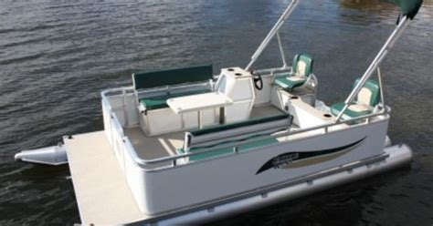 Mini Boat Manufacturers by Mini Pontoons Paddle King Pontoon Boat Dealers Mini