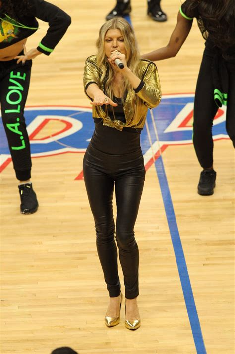 fergie performs   los angeles lakers game  staples
