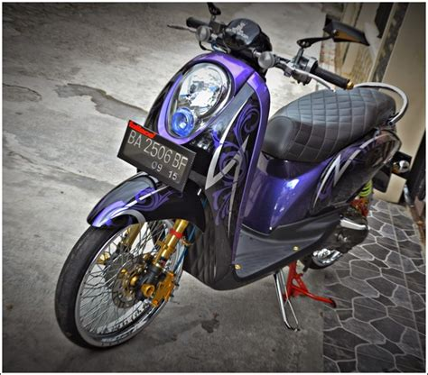 Modifikasi Scoopy 2017 Hitam Putih by 87 Gambar Modifikasi Motor Scoopy Terbaru 2018 Herex Id