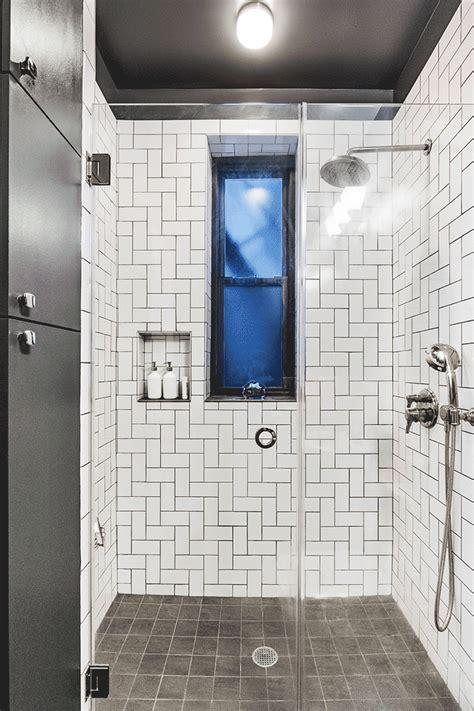 bath  graphic  tile
