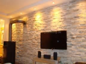 wohnzimmer ideen wandgestaltung stein mediterrane wandgestaltung im wohnzimmer mit kunststeinpaneele