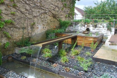 Bassin De Jardin Moderne Bassin D Eau Dans Le Jardin 85 Id 233 Es Pour S Inspirer