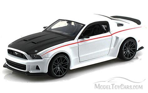 Ford Mustang Street Racer, White