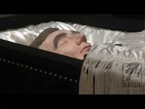 Replica of Lincoln casket on display in Carthage, Illinois ...