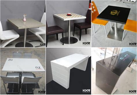 chaise et table de restaurant restaurant logo personnalisé chaise et table pour café en